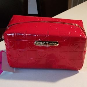 Betsey johnson heart makeup case
